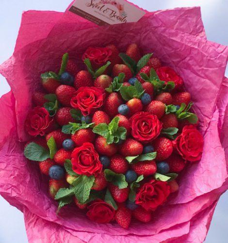 Букет «Вкус роз в клубнике с мятой»