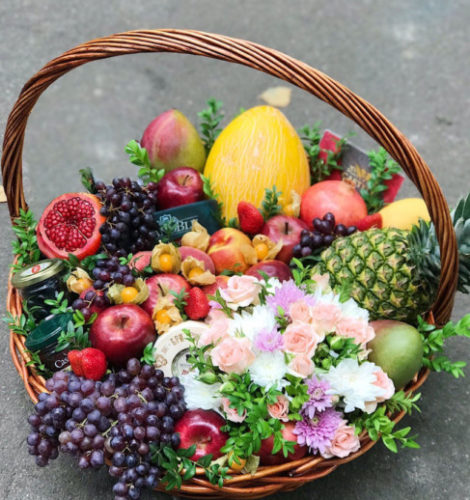 Корзина «Натюрморт» сыры-фрукты