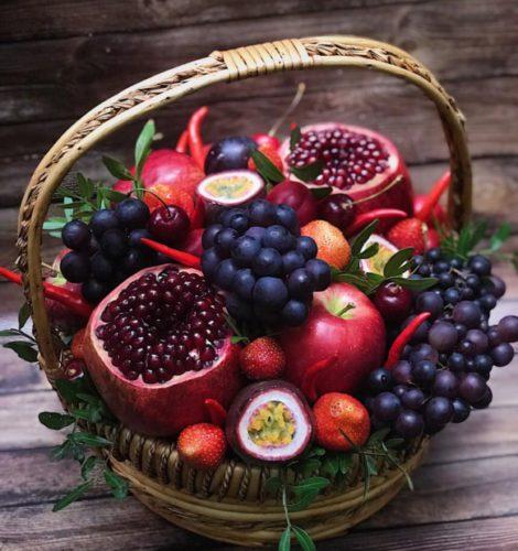 Корзина «Афродита» виноград-гранат