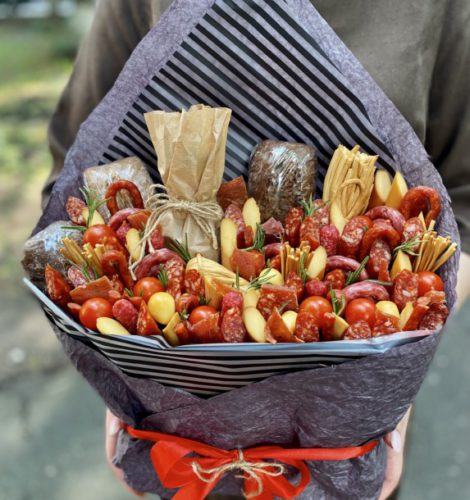 Букет с колбасками «Мистер» для мужчин